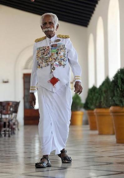 Galle Face hotel Sri Lanka doorman, www.barefootluxe.wordpress.com
