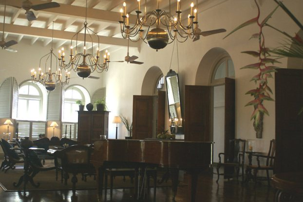 sri-lanka-galle-colonial-New-Oriental-Amangalle-Hotel-Dutch-Governors-House[1]