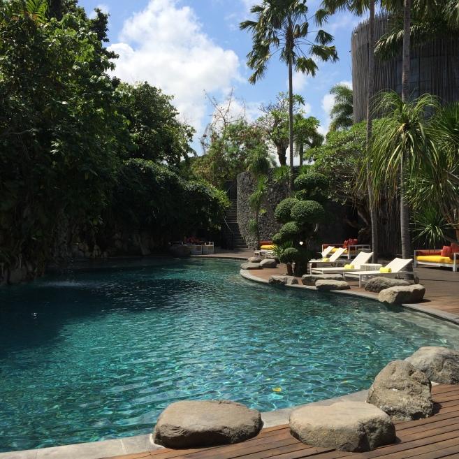 sentosa seminyak bali, luxury resort, spa, www.barefootluxe.wordpress.com