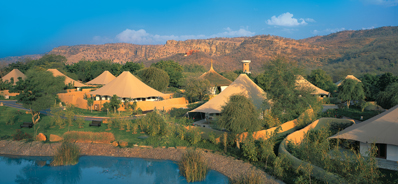 Oberoi Vanyavilas India Ranthambore tiger park luxury tented camp