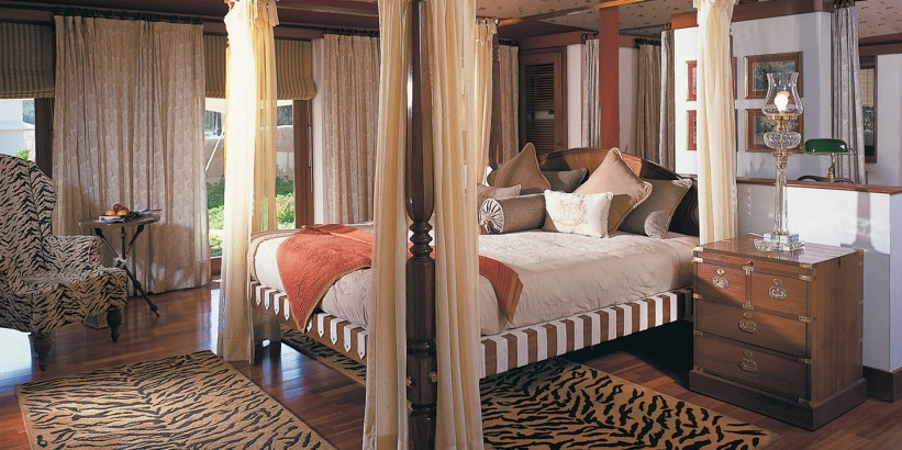Oberoi Vanyavilas Ranthambore tiger park India luxury tented camp