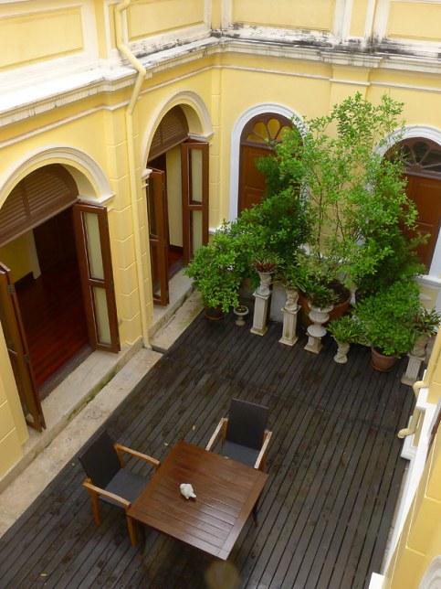 praya palazzo bangkok boutique hotel historic