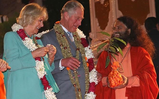 Charles-Camilla-Rishikesh, www.barefootluxe.wordpress.com