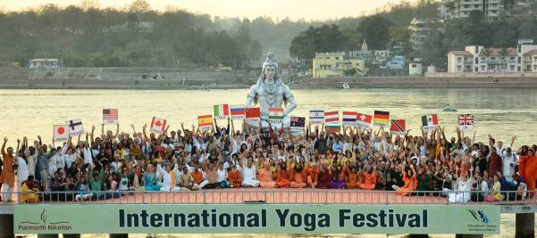 international-yoga-festival-india[1]
