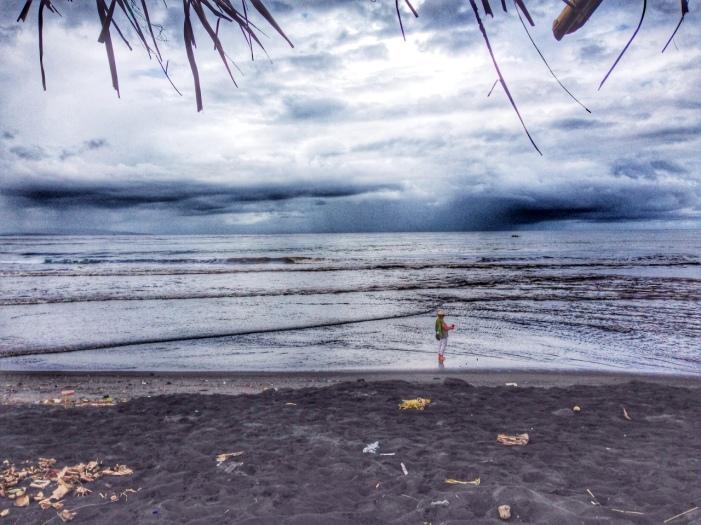 Bali black sand beach, Barefoot Luxe by Chami J.,www.BarefootLuxe.net