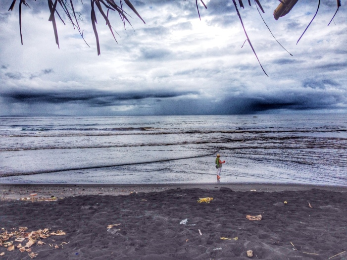 Bali black sand beach, Barefoot Luxe by Chami J.,www.BarefootLuxe.net