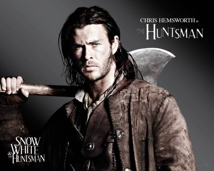 snow-white-and-the-huntsman-chris-hemsworth-wallpaper-11