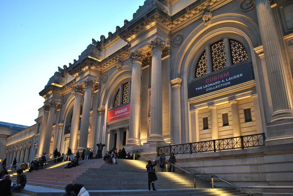 Metropolitan Museum or Art New York, The Museum Workout, www.BarefootLuxe.net