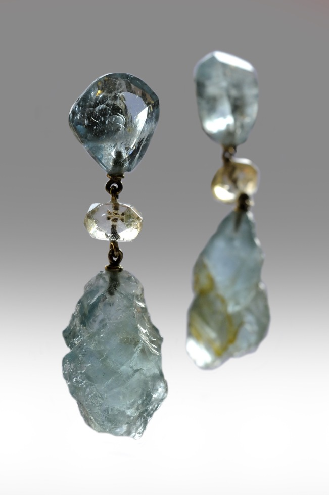 natural raw gemstone jewelery by Yang Riches Jewellery, luxury jewelry, www.BarefootLuxe.net