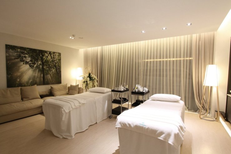 Dermaster Aesthetic Clinic Bangkok, anti-ageing Bangkok, medical spa, www.BarefootLuxe.net