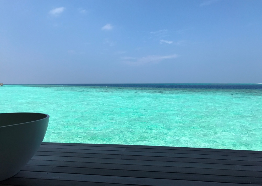 Duniye Spa Hurawalhi Maldives, overwater spa Maldives, www.BarefootLuxe. net